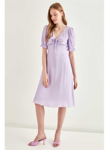 Vitrin VİTRİN V Yaka Fırfır Kol Detaylı Puantiye Desenli Elbise Lila